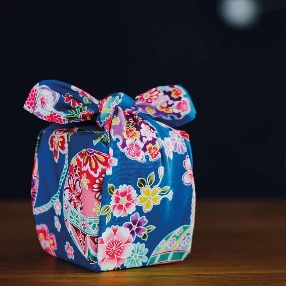 Furoshiki: klug verpackt – vielseitig & nachhaltig